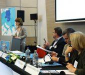 A képen a key-note előadás előadója látható.